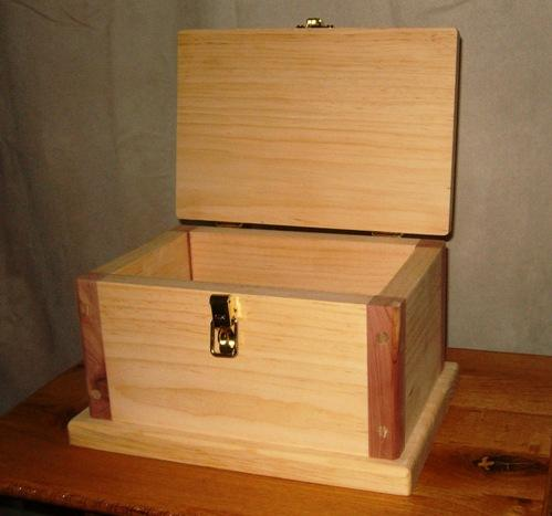 With The Right Plans Materials And Equipment You Can Construct This Simple Wooden Box As Shown Here